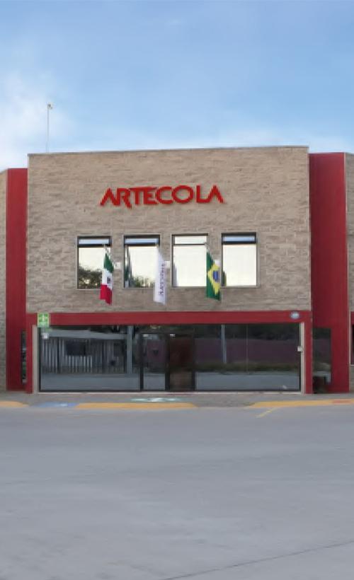 fachada-artecola1-500x820-1.jpg